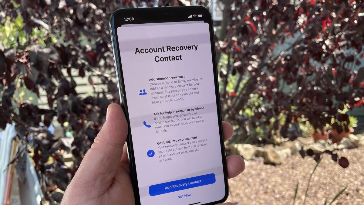 How to set an Apple ID account recovery contact in iOS 15