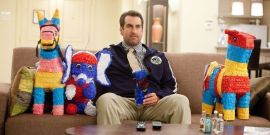 Rob Riggle Explains Why Robert De Niro Works Well In Comedy Even Though He's Not A Comedian