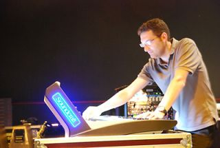 Fuzz'Yon Installs HARMAN Soundcraft Vi1 Consoles