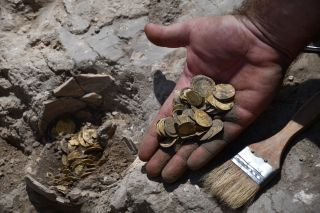 Youths found an 1,100-year-old gold hoard during an excavation in Israel.