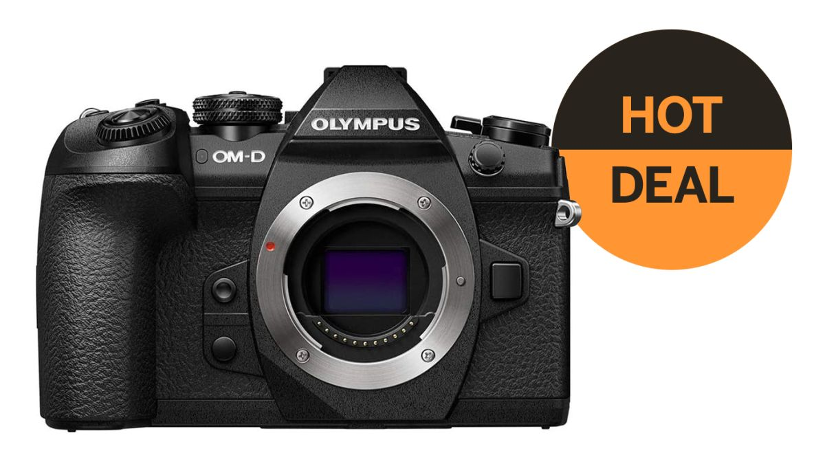 Save $800 on the Olympus OM-D E-M1 Mark II flagship camera!