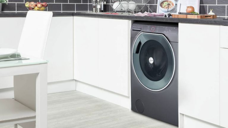 Hoover AXI AWMPD610LH8R washing machine review in kitchen