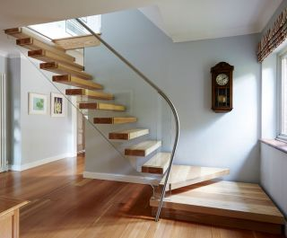 Floating Staircase Design by Bisca
