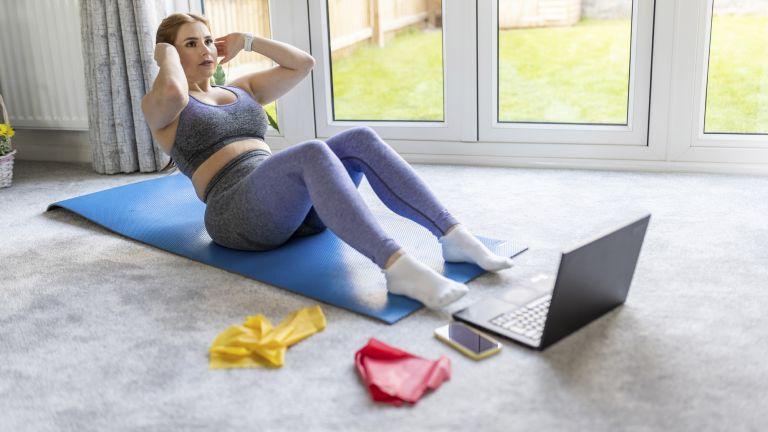 Woman doing a crunch