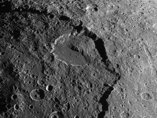 landslide iapetus crater