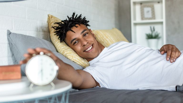 Man waking up early to beat depression
