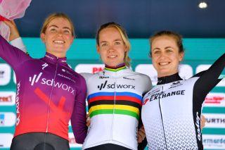 World Champion Anna van der Breggen wins stage 4 uphill time trial at the Giro d'Italia Donne
