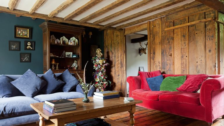 How to lighten oak beams: living room in period property with oak beams