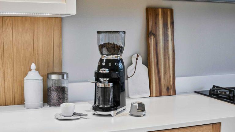 Smeg - coffee grinder