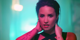 Demi Lovato Cancels Tour After Checking Back Into Rehab