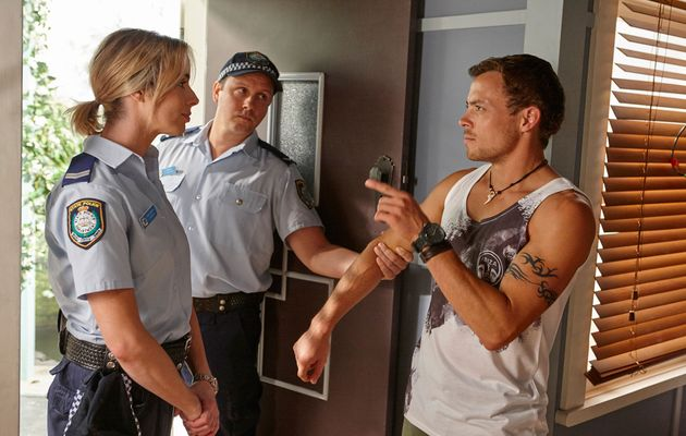 Home and Away, Chelsea Campbell, Dean Thompson