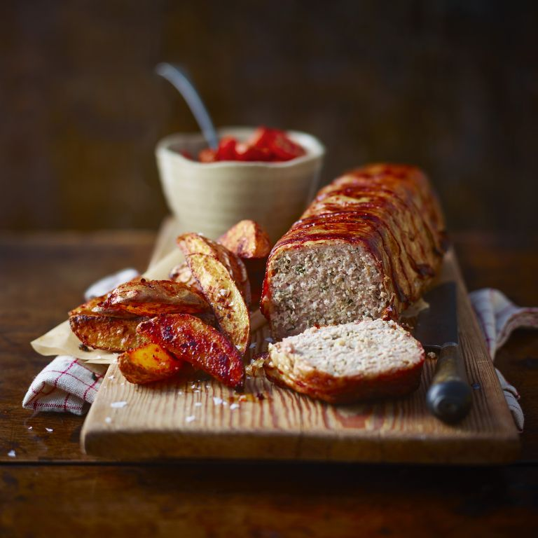 Meatloaf With Tomato Sauce And Spiced Oven Chips