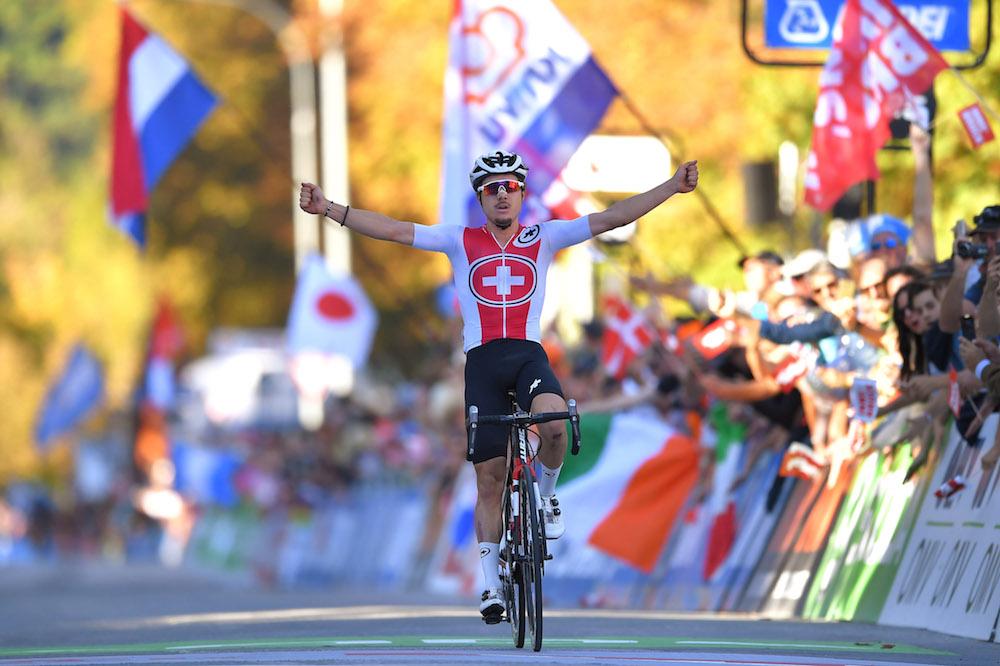 Marc Hirschi wins U23 World Championship after tactical