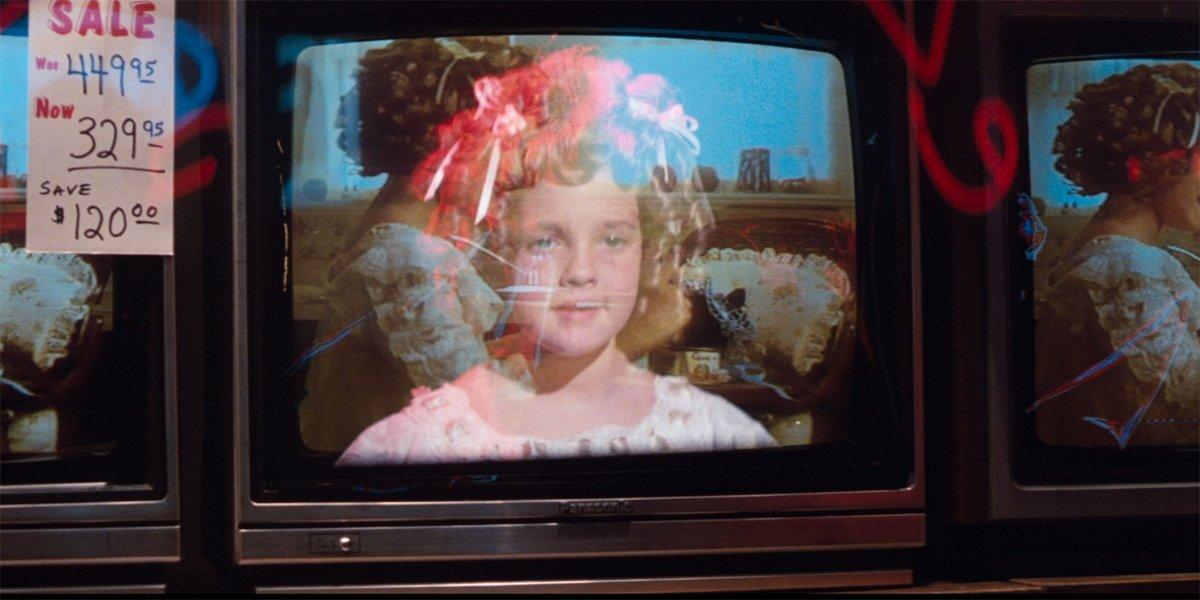 Cat's Eye Drew Barrymore ghost on TV