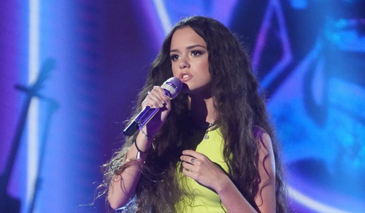 Casey Bishop singing American Idol ABC
