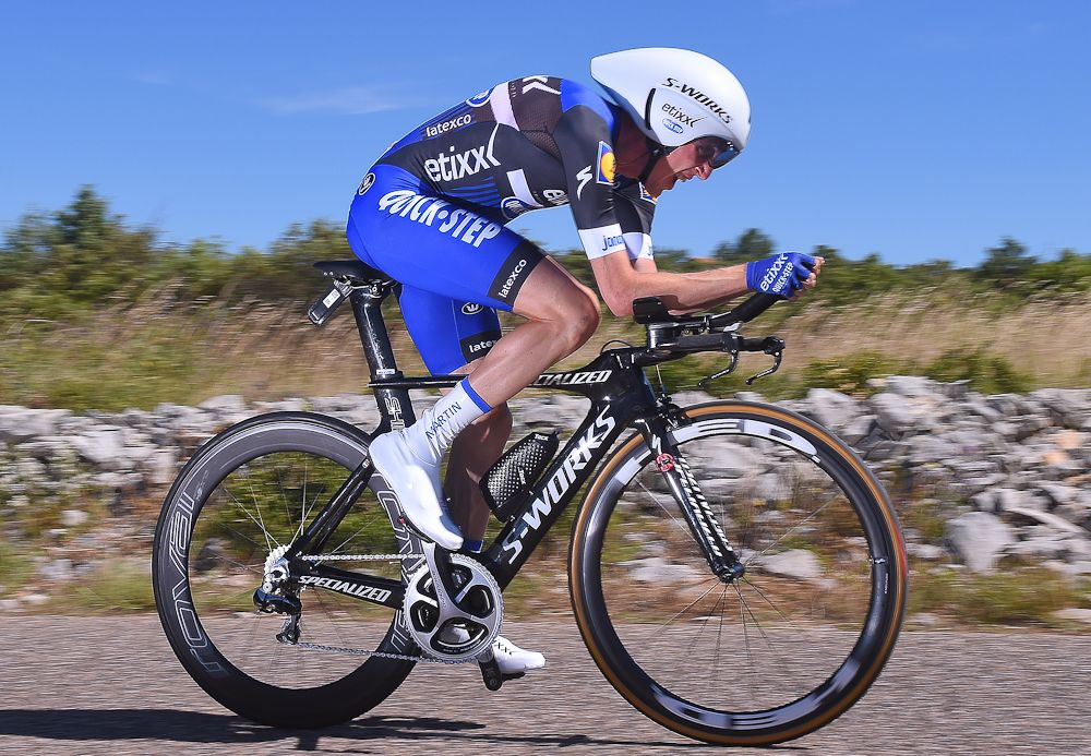 Tour de France: Martin loses 3 minutes to Froome but keeps