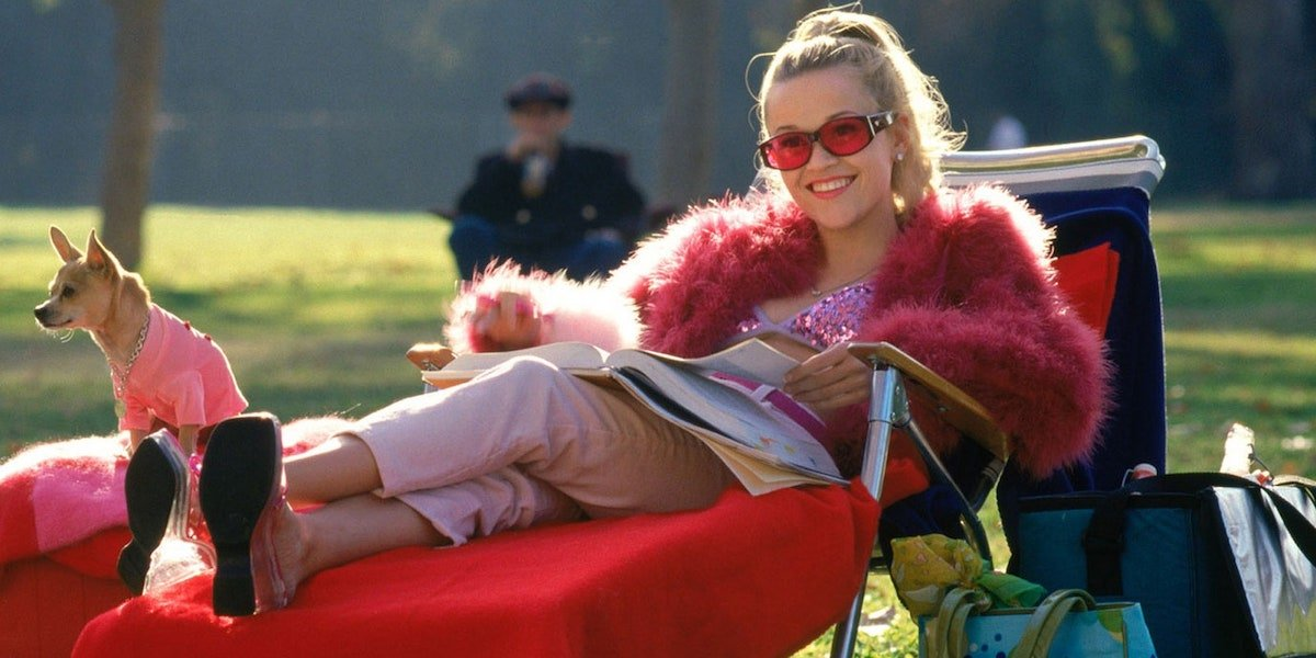 Reese Witherspoon as Elle Woods with Bruiser Woods in Legally Blonde