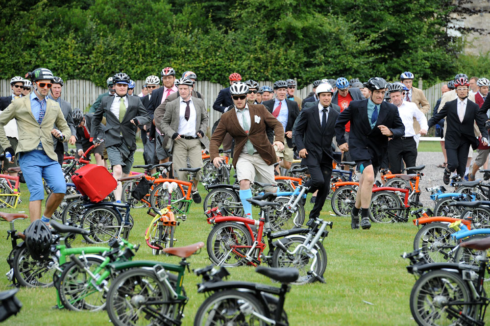 Brompton world champs start, Bike Blenheim Palace 2011, August 21 2011
