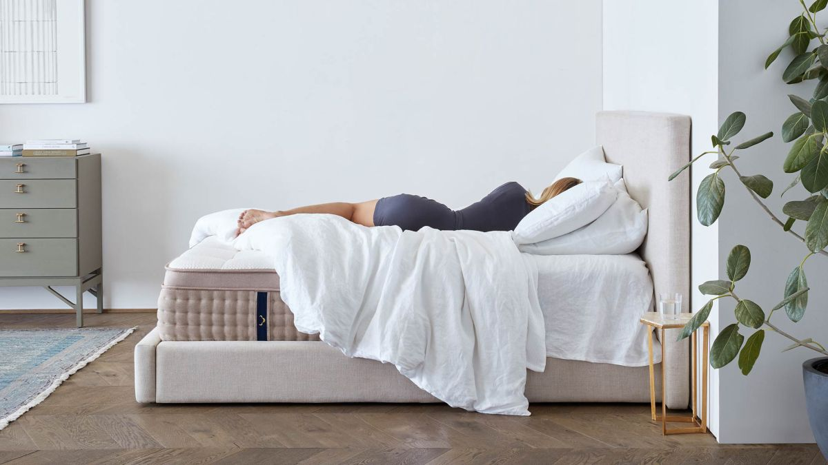 The best cheap DreamCloud mattress discount codes and deals in August 2020: £250/$200 off, plus oodles of free extras