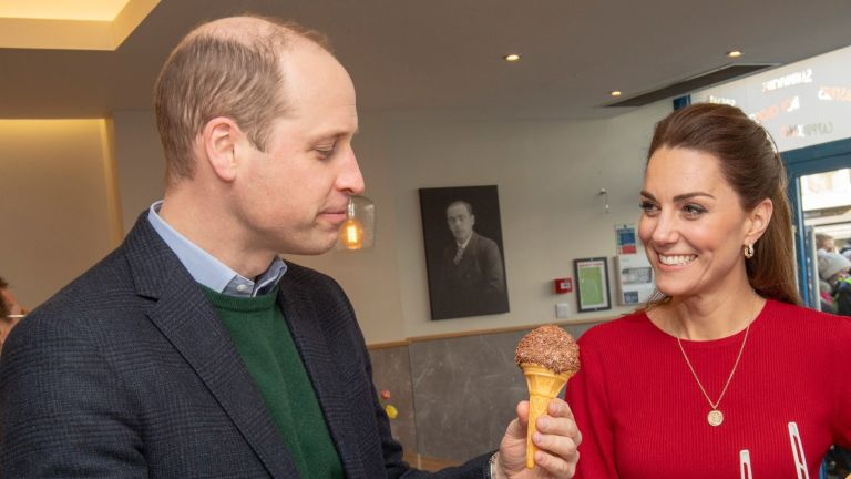 Kate and William eating ice cream