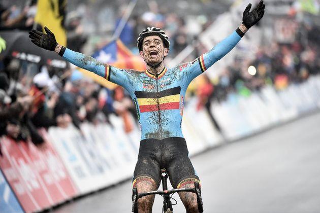 Wout van Aert (Bel) celebrates his win in the Elite Men's category (Watson)