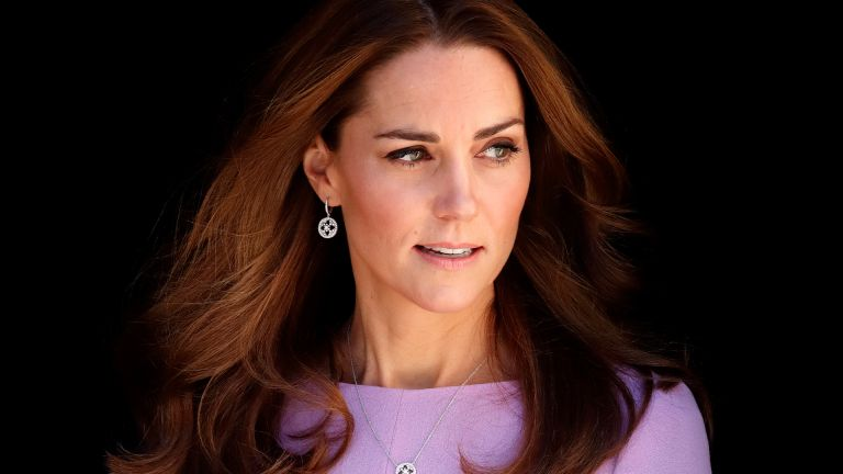 LONDON, UNITED KINGDOM - OCTOBER 09: (EMBARGOED FOR PUBLICATION IN UK NEWSPAPERS UNTIL 24 HOURS AFTER CREATE DATE AND TIME) Catherine, Duchess of Cambridge attends the Global Ministerial Mental Health Summit at London County Hall on October 9, 2018 in London, England. (Photo by Max Mumby/Indigo/Getty Images)