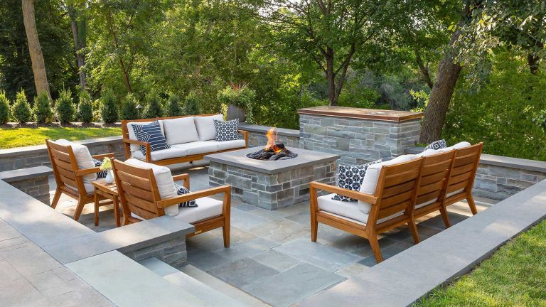 backyard ideas with sunken seating and fire pit
