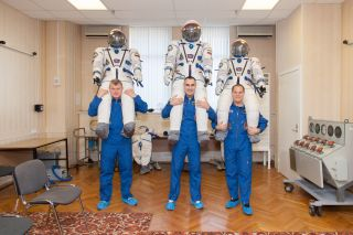 Expedition 33 Crew During Fit Check
