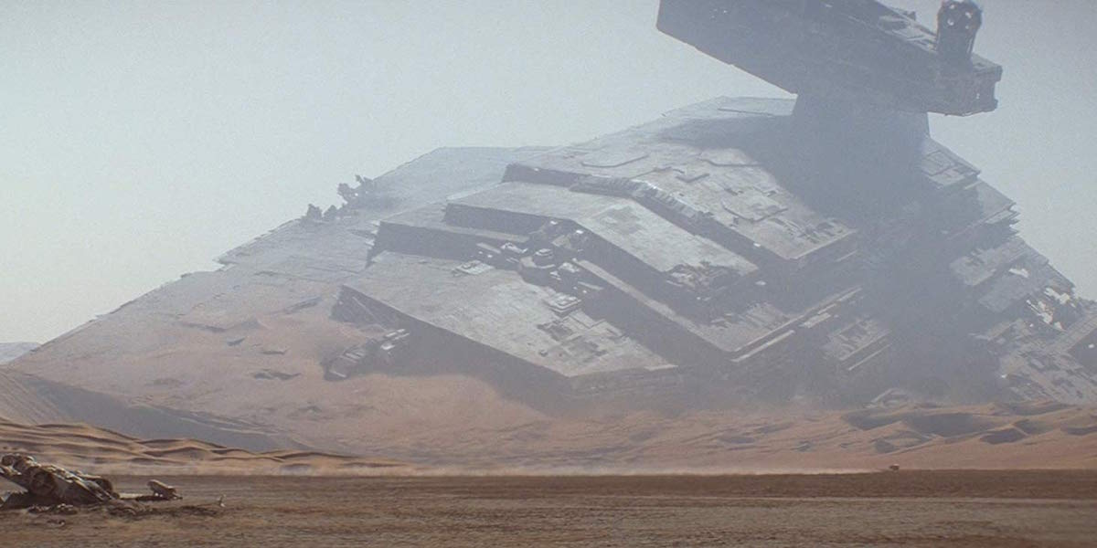 Crashed Star Destroyer in Star Wars: The Force Awakens