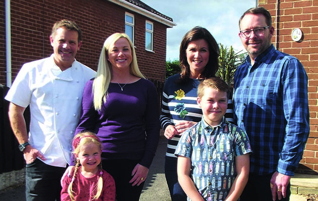It's not every day that chef Matt Tebbutt turns up at your house and cooks for your family, but the Hudsons in Rotherham are treated to some mouth-watering dishes at low prices tonight.