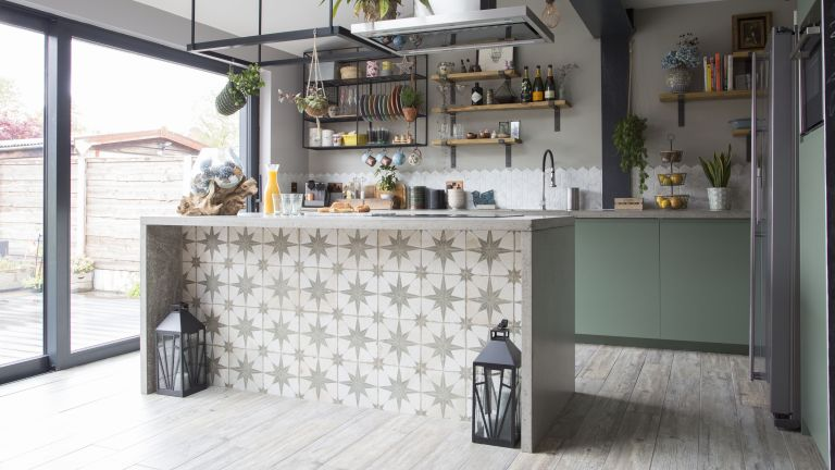 DIY kitchen island ideas: star tiles on back of island