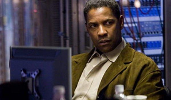 Deja Vu Denzel Washington manning the computer