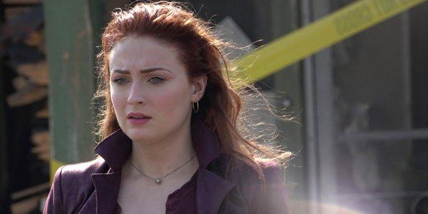 Dark Phoenix Jean Grey looks alarmed Sophie Turner X-Men