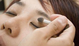 makeup-face-110405-02
