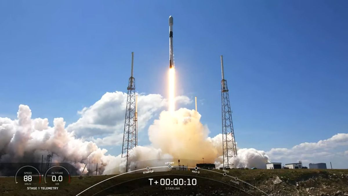 SpaceX launches another 60 Starlink satellites into orbit and holds a rocket landing