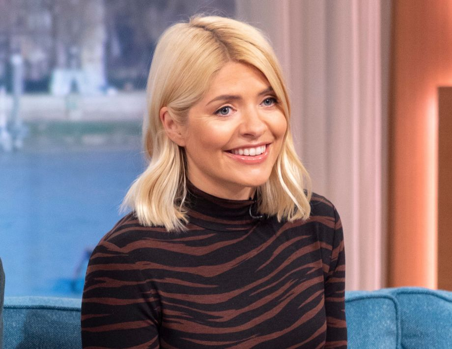 d40c37ddab14 Holly Willoughby's affordable Warehouse dress is selling out quickly