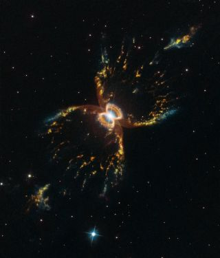 Cosmic Crustacean Makes Great Birthday Card for Hubble's 29th Year (Image)