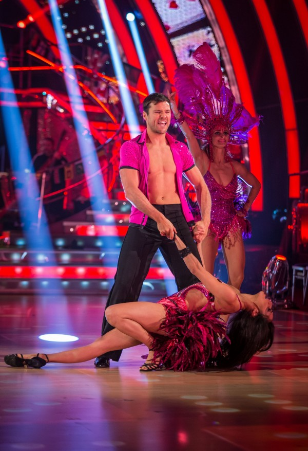 Mark Wright flashes his chest on Stritcly