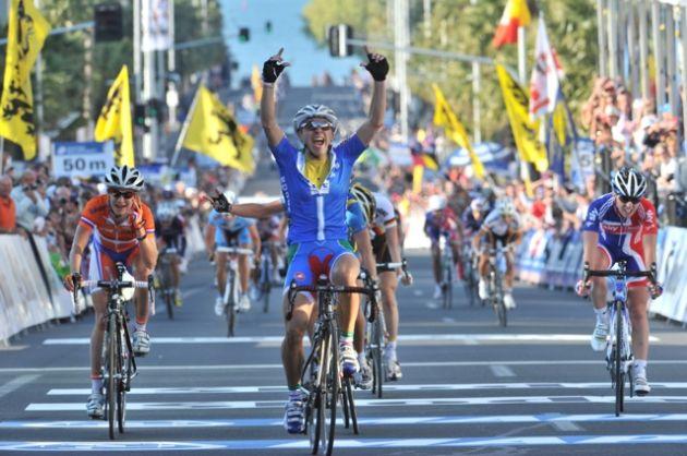 Girogia Bronzini wins, World Championships 2010, women's road race
