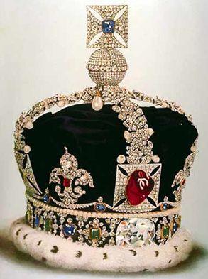 Esta versão da Coroa Imperial do Estado foi usada por George V e está agora alojada na Torre de Londres.