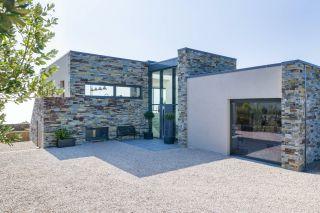 contemporary self build with aluminium windows