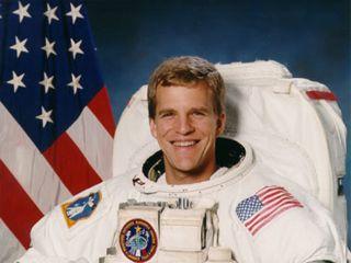 Astronaut Biography: Scott. E. Parazynski