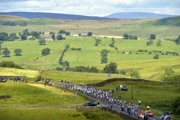Tour de France Stage 1 : Leeds - Harrogate Peloton Photo : Yuzuru SUNADA