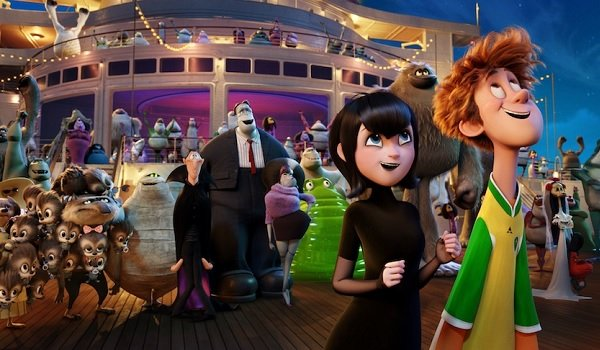 Hotel Transylvania 3: Summer Vacation Mavis, Jonathan, and the entire cruise stare up at fireworks