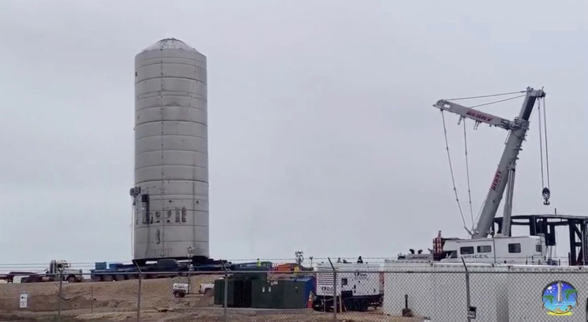 SpaceX's next Starship prototype moves to launchpad for testing (video) - Space.com
