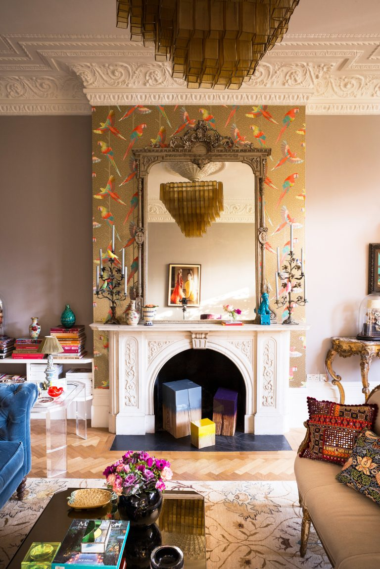 Living Room Wallpaper Ideas; From Contemporary to Chintz