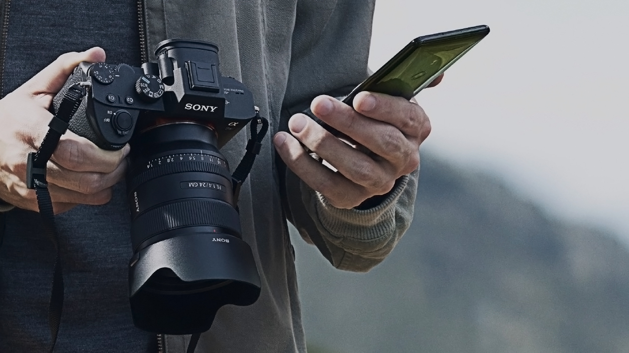 Sony's Instagram-friendly app becomes the ultimate Sony A6400 companion - offers 'instant' phone image transfers