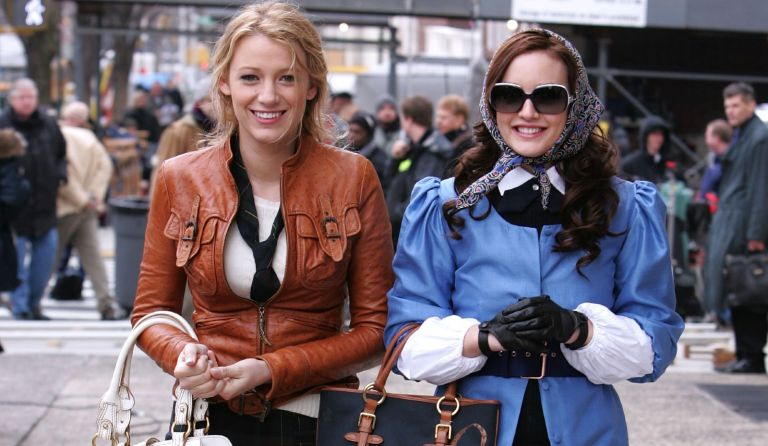 """Actresses Blake Lively and Leighton Meester on location for """"Gossip Girl"""" on March 14, 2008 in New York City."""