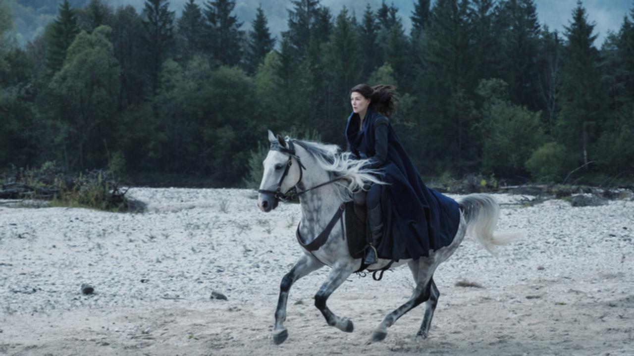 Rosamund Pike as Moiraine Damodred in The Wheel of Time season 1