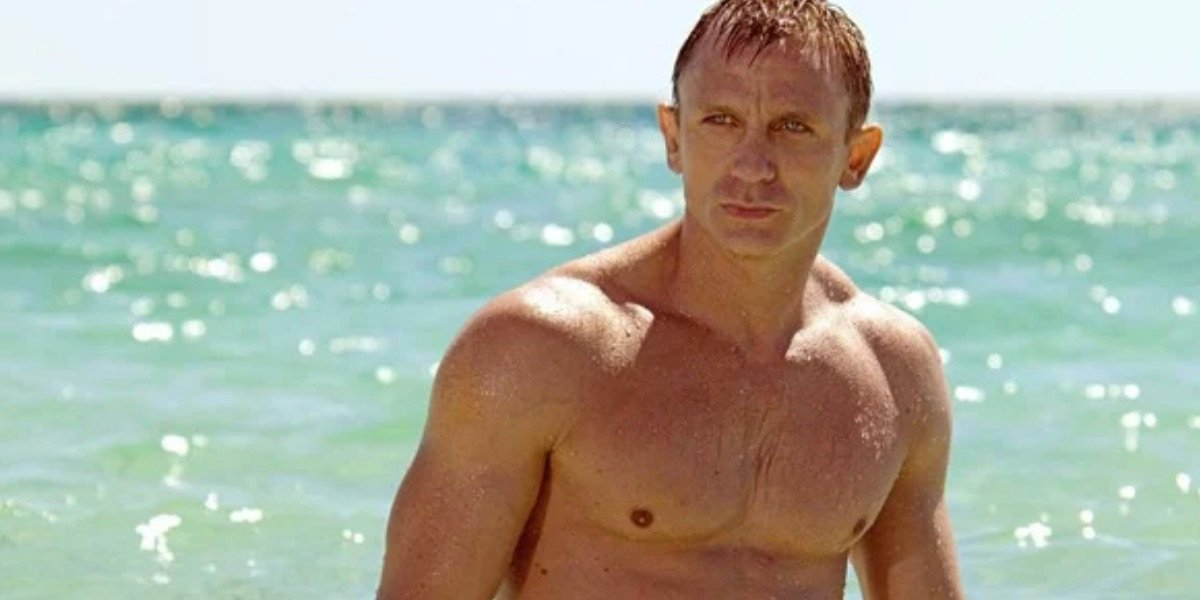 Bond on the Beach in Casino Royale